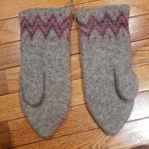 Nordic style Woolen Mittens nwot